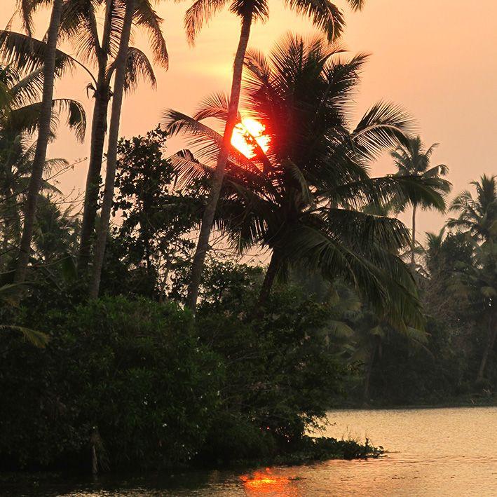 Sunset, Munroe island, Inde