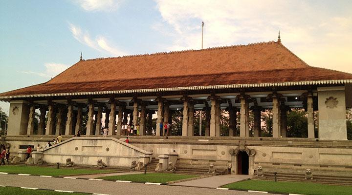 Découverte du Parlement sri lankais à Kotte, de Pettah et de Fort