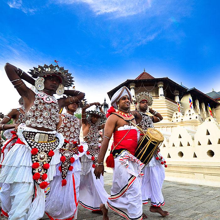 Danseurs, Perahera Temple, Kandy, Sri Lanka