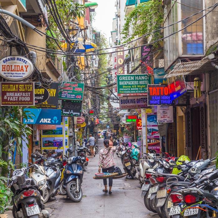 Vietnam, Hanoï, rue, scooters