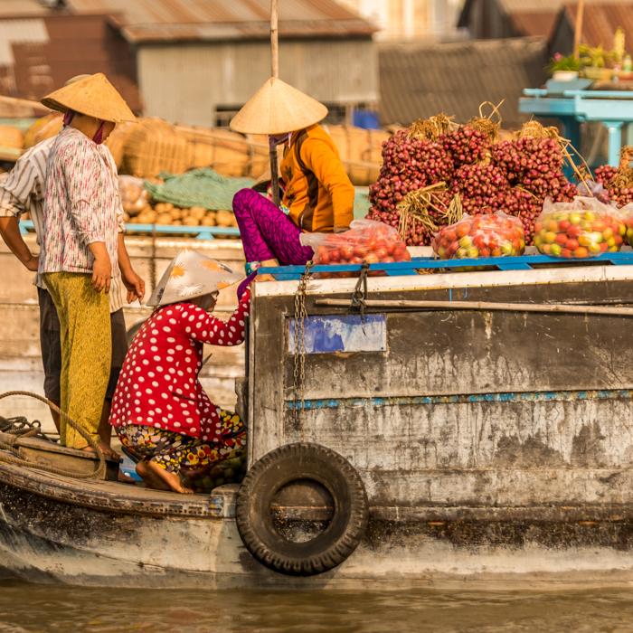 Vietnam, marché flottant; Cai Rang