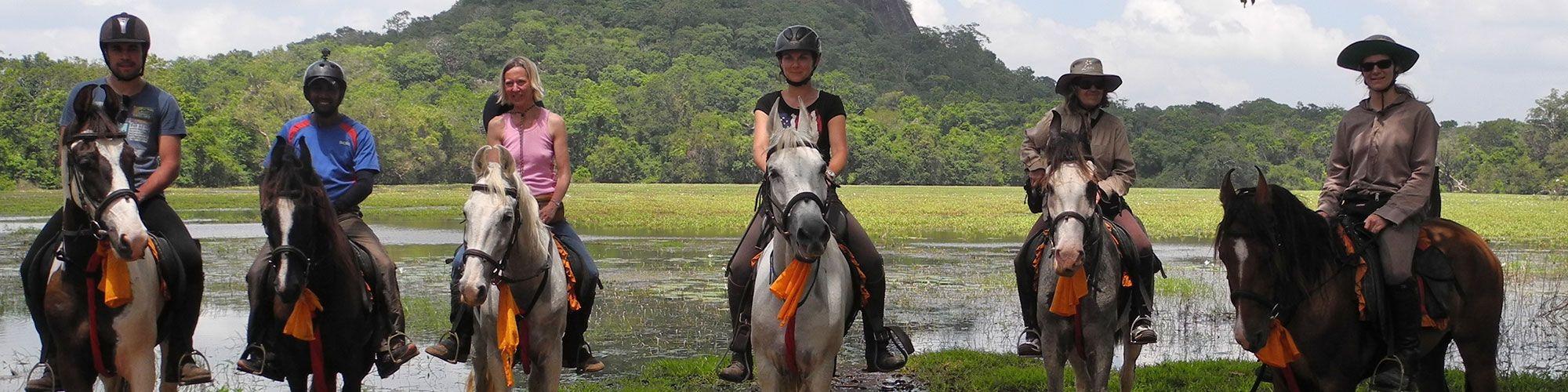 Cavaliers, chevaux, Sigiriya, Sri Lanka