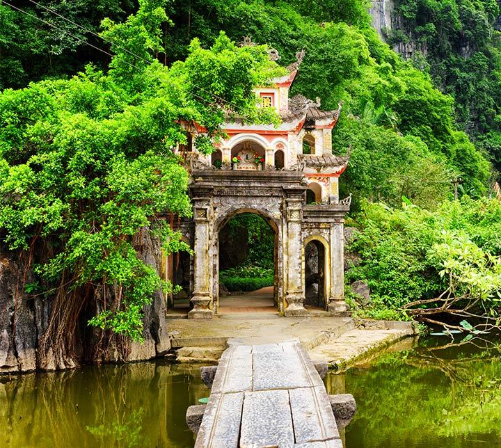 Ninh Binh au Vietnam pagoda